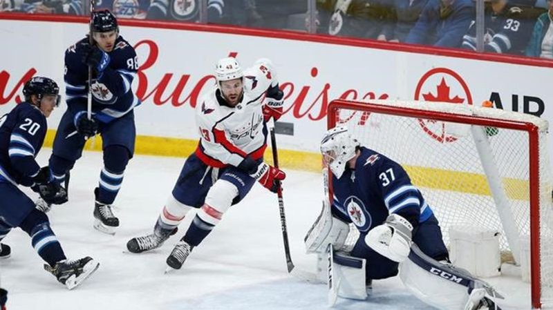 Hellebuyck herculean as Jets stifle division-leading Capitals