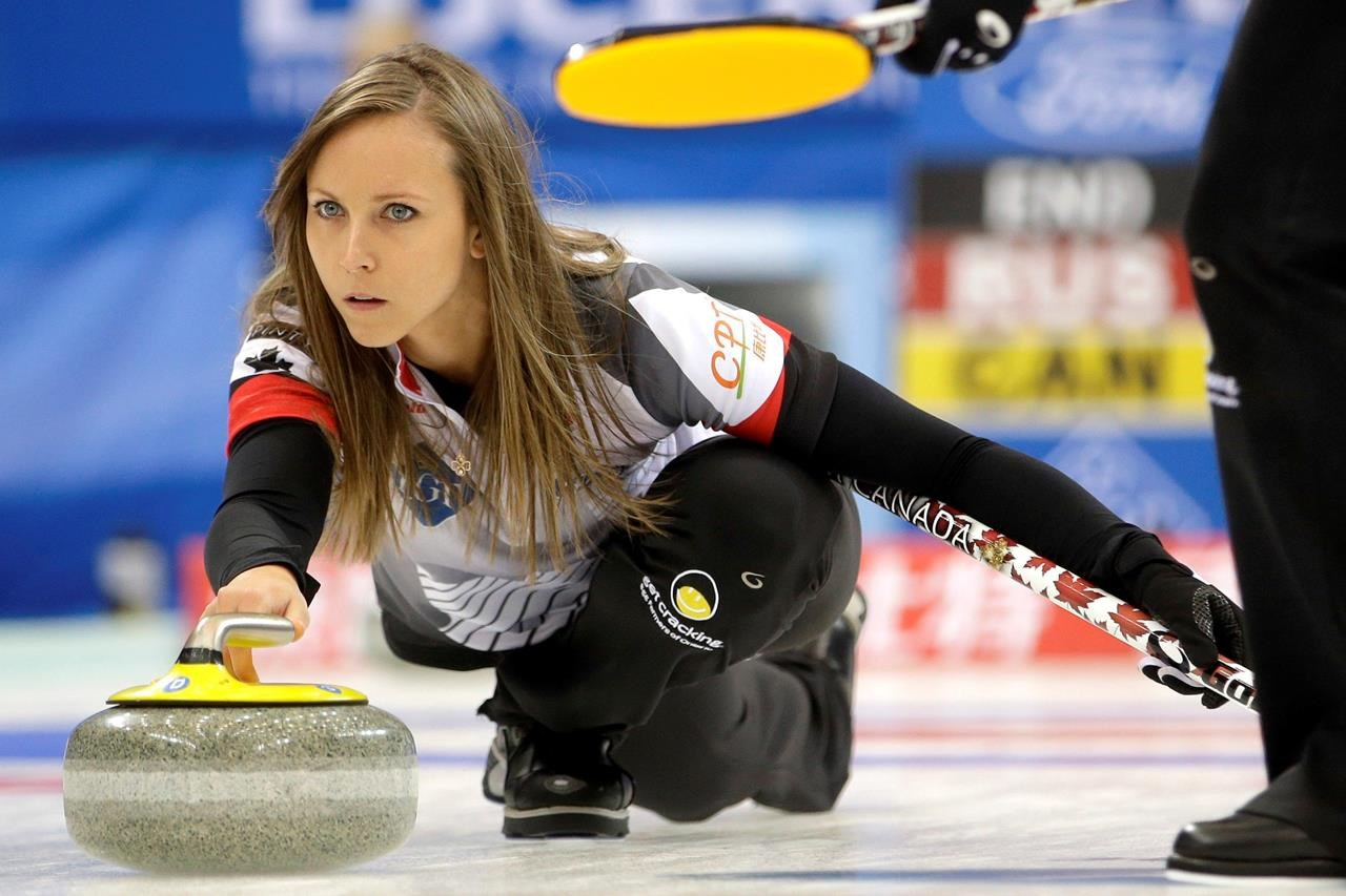 Anette Norberg canada's homan stays perfect to advance to world women's