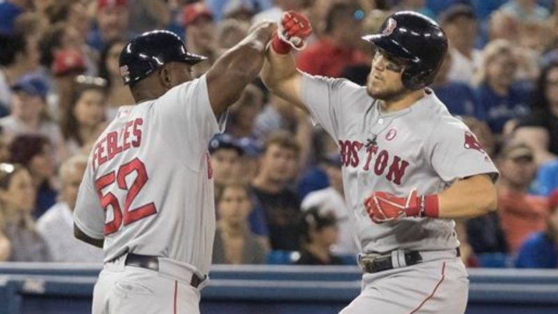 Hernandez lifts Red Sox over Blue Jays 8-7 with ninth inning pinch