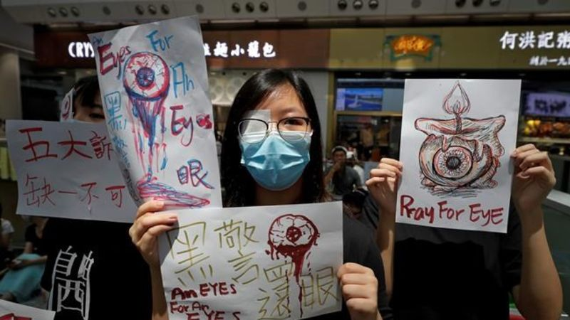 Hong Kong airport shuts down amid pro-democracy protest | CKPG Today