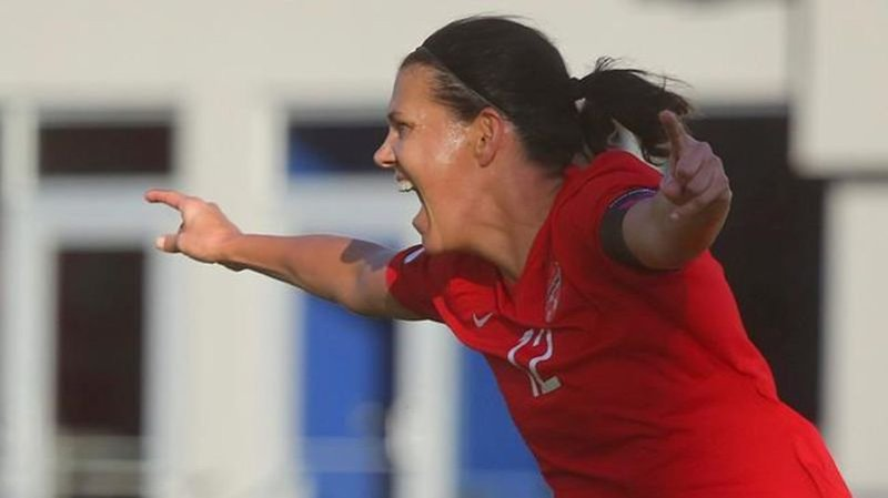 Sinclair sets goal record in Canada's Olympic qualifier win