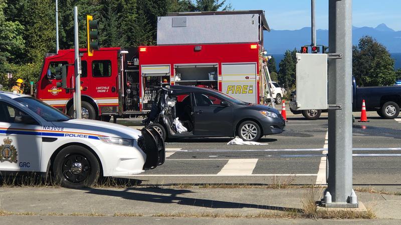 Four people injured in Hwy 19 crash in Lantzville, traffic