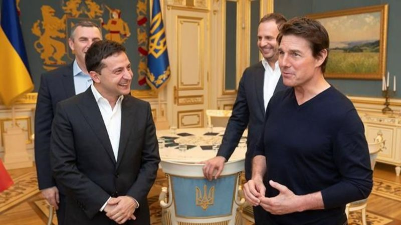You Re Good Looking Ukraine S Leader Woos Tom Cruise Chat News Today
