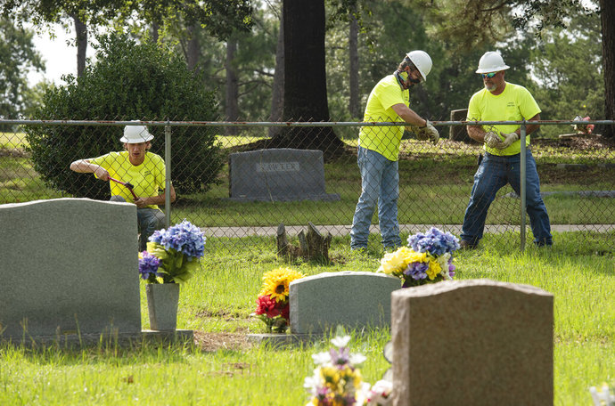 Texas Town Removes Fence Between White, Black Cemeteries