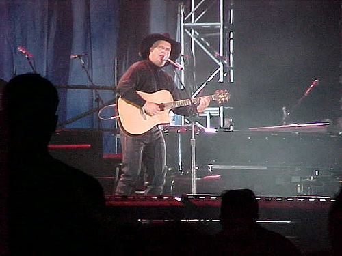 Garth Brooks Playing State Farm Center In Champaign