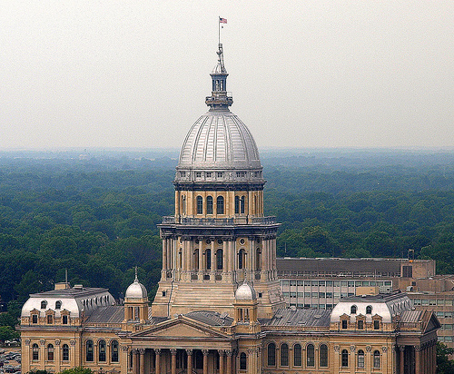 Illinois House Approves Tax Hike And Budget, Rauner Promises Veto