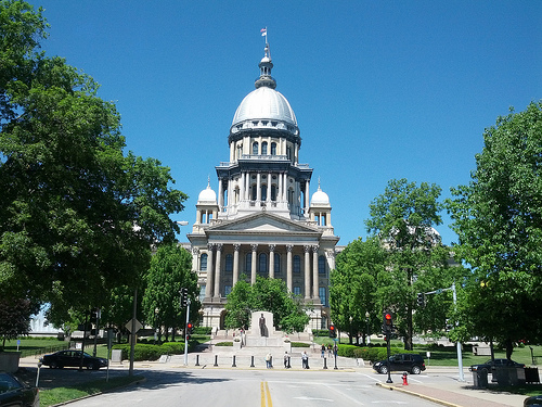 Small Fire Briefly EmptiesIllinoisCapitol