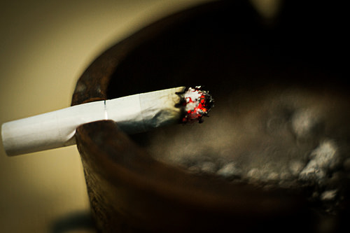 Advocates, Doctors Push To RaiseIllinois' Smoking Age