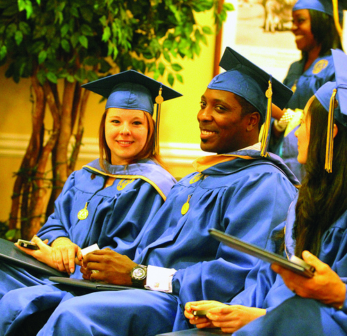 Report: 46-Percent Of Illinois High School Grads Leave For College