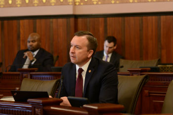 Manar hosting evening office hours in Taylorville next week