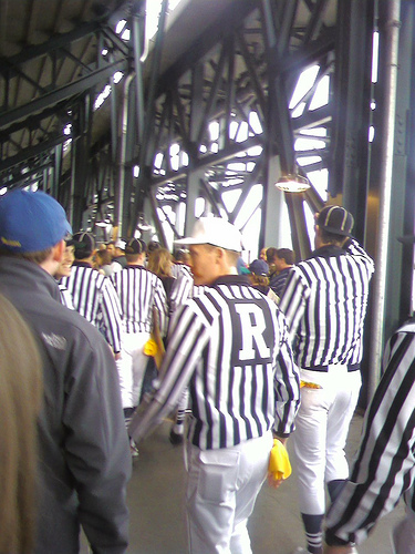 IHSA Fighting Referee Shortage