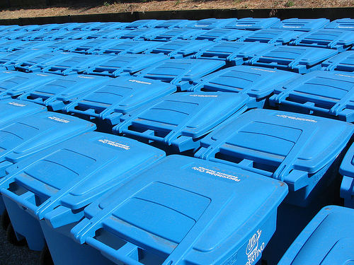 Howard Buffett Helps Macon County Start Recycling Center