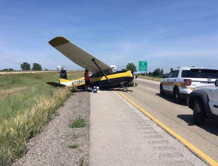 Plane Makes Emergency Landing On I-55