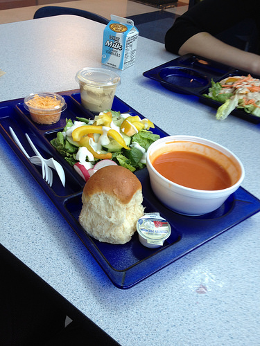 Governor Rauner Signs Free School Lunch Law