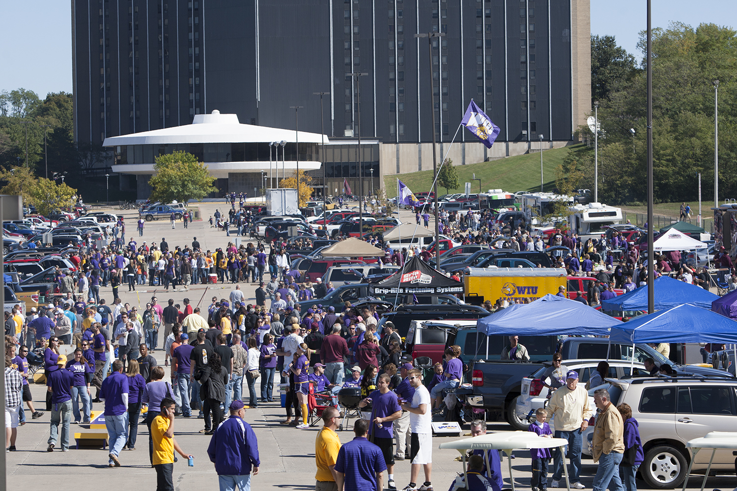 Western Illinois University To Try Beer Sales At Football Games