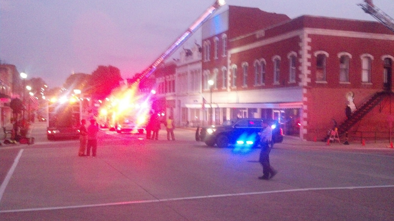 Emergency crews in downtown Vandalia this morning for apparent building collapse