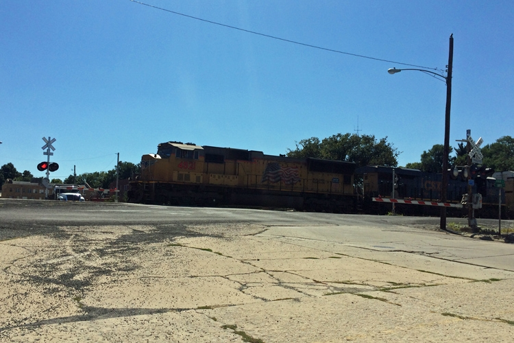Vandalia Mayor to ask to have trains permanently slow down when coming thru town
