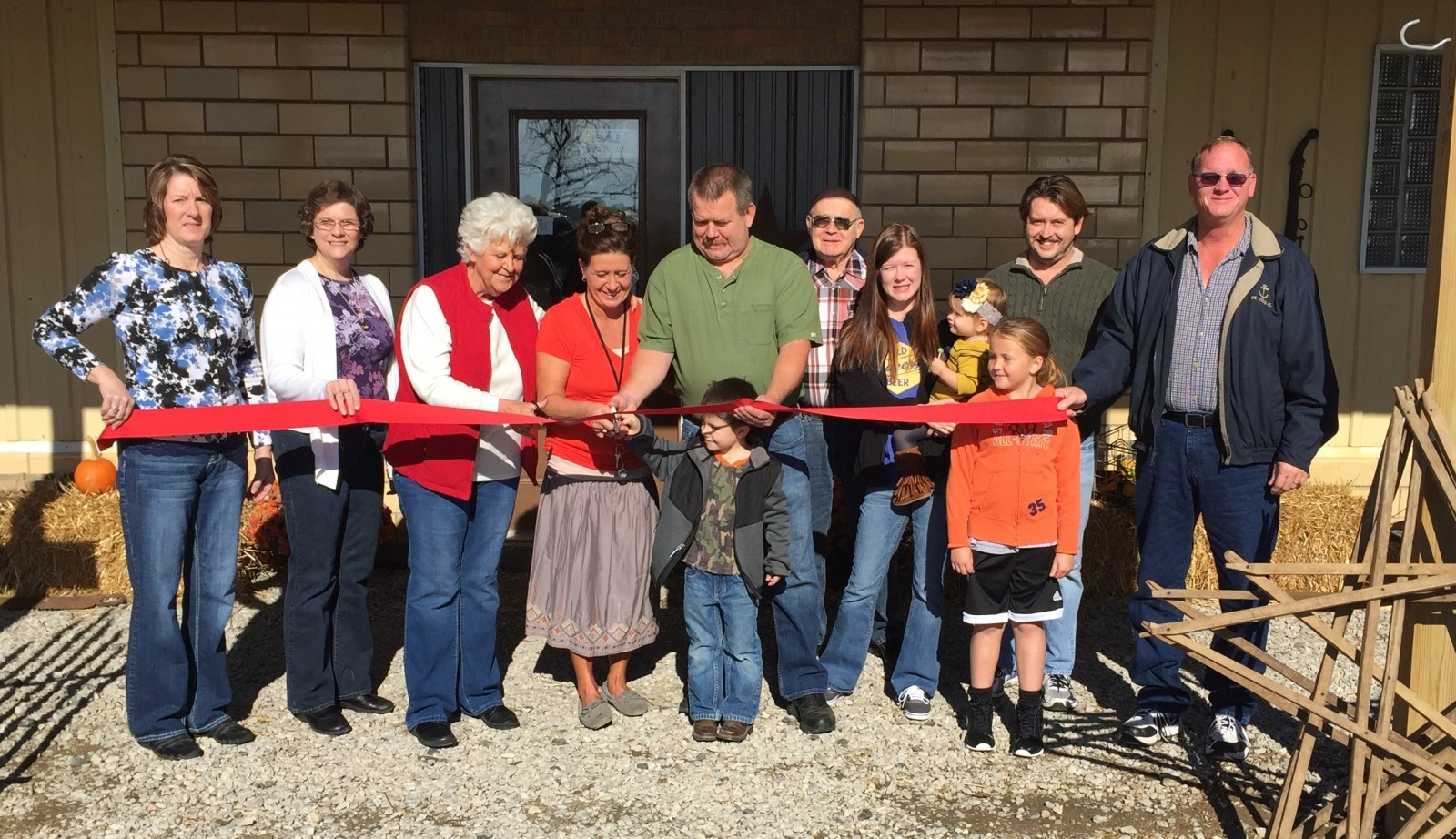 New business officially opens in Brownstown