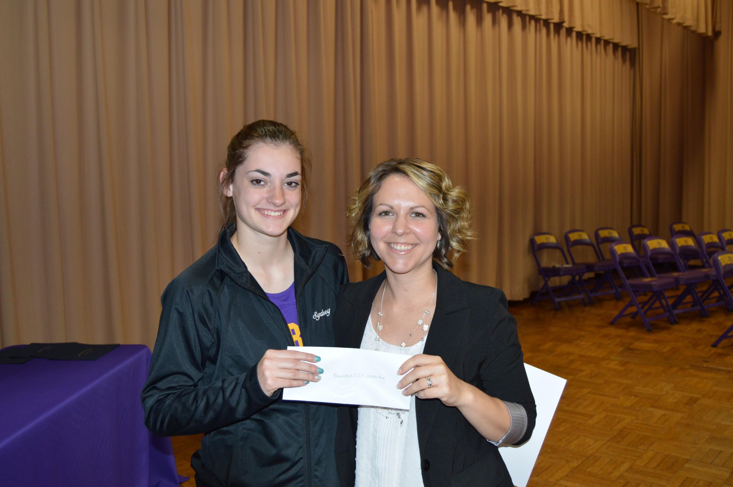 Sydney Rosborough wins the ESPA Award