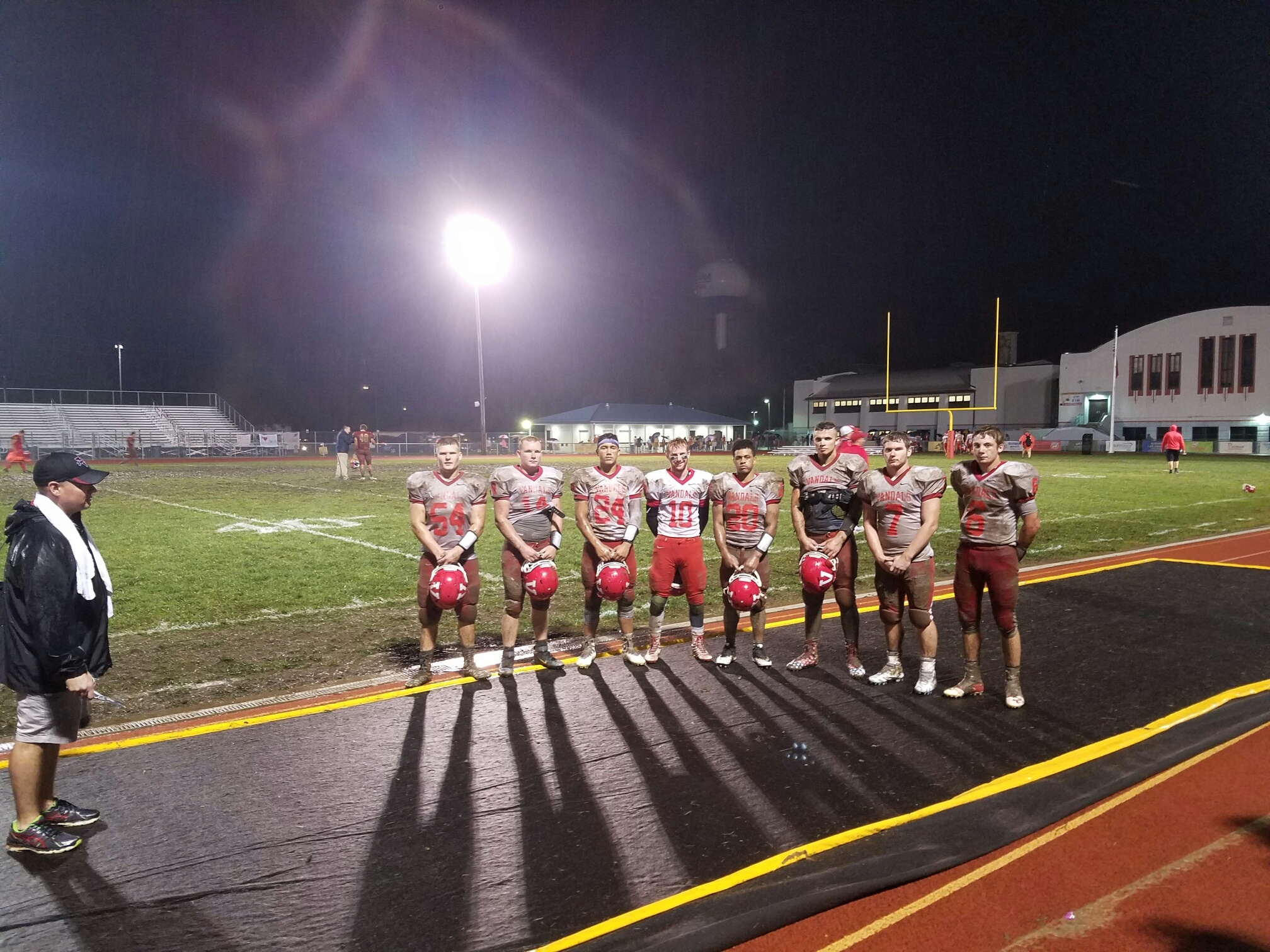 Vandals survive rain, mud, and turnovers to get win over Roxana