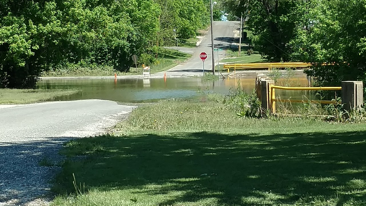 Updated levels for Kaskaskia River in Vandalia-River is rising
