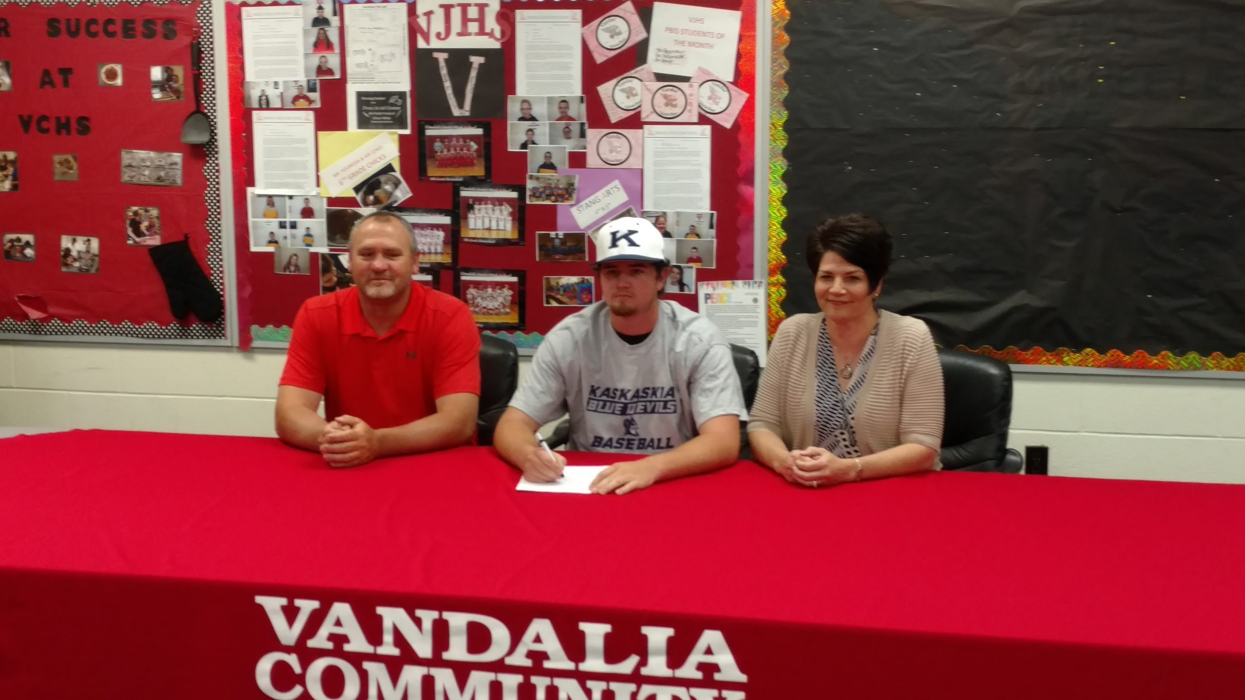 VCHS Grad Nathan Casey will attend, play baseball at Kaskaskia College