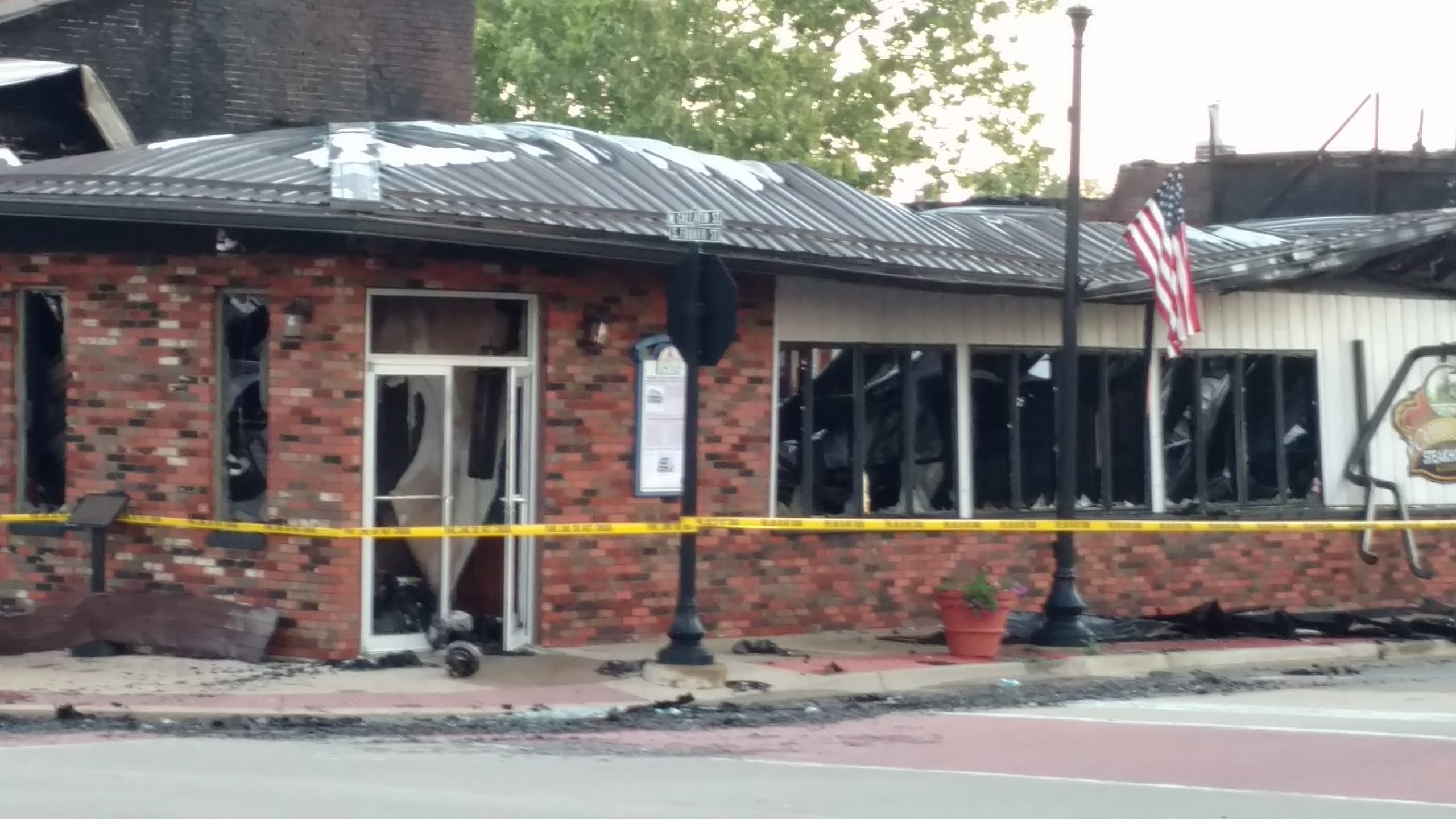 Downtown Vandalia Restaurant a total loss, another business damaged in overnight fire