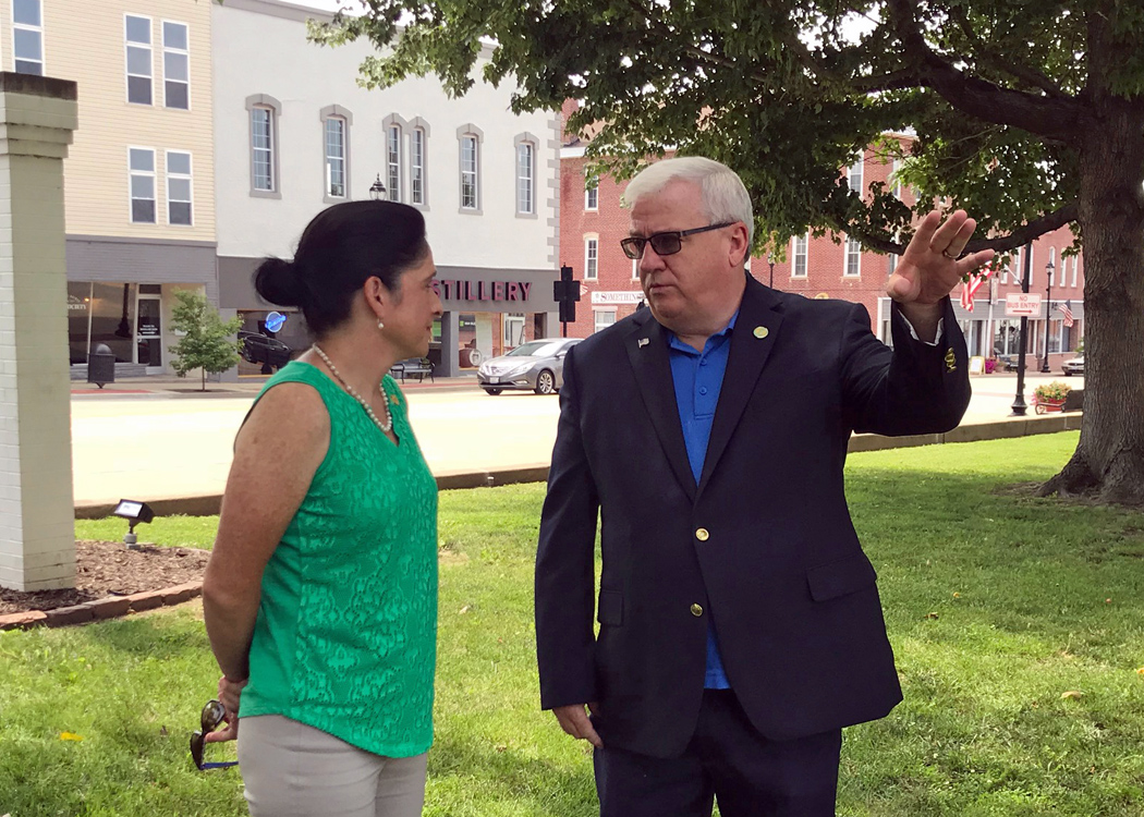 Illinois Comptroller Seeing New Sites on Tour of State, including stop in Vandalia