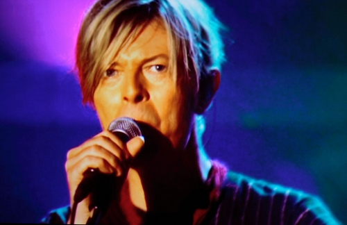 """David Bowie's """"Blackstar"""" debuts at number 1, is Bowie's first album to do so"""