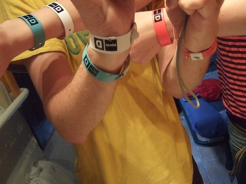 Bagelfest Armbands Now Available!