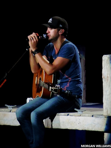 Luke Bryan Celebrates 12th Consecutive Number-One