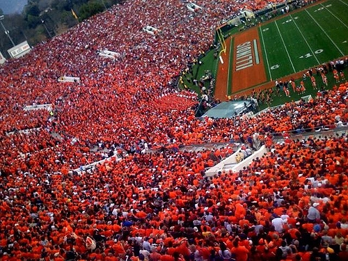 U Of I Wants 660-Million Dollar Guarantee From State