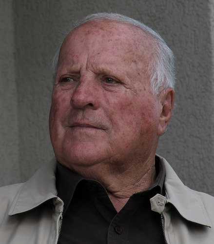 Racing Legend A.J. Foyt Plans Stem Cell Treatment
