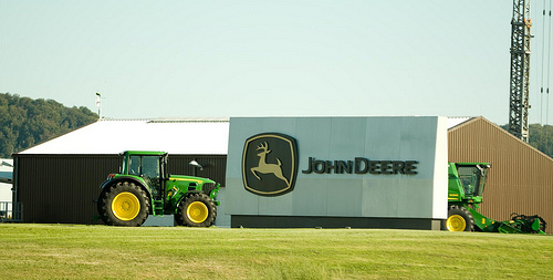 Deere Adds South American Sprayer, Planter Maker