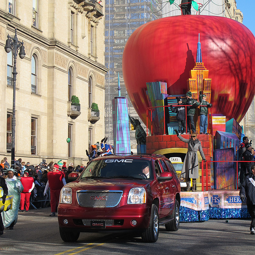 Crowds Gathering For Macy's Thanksgiving Parade