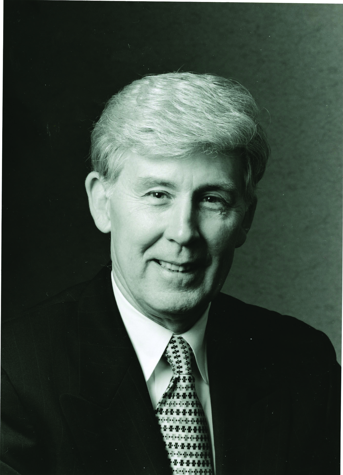 Robert K. Luther to be honored with Lake Land College Distinguished Service Award at the 50th anniversary Commencement