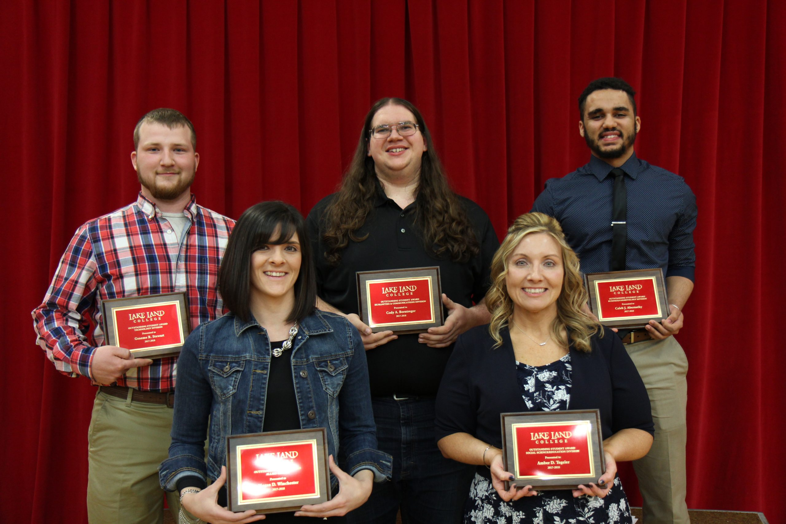 Lake Land College recognizes students at annual banquet