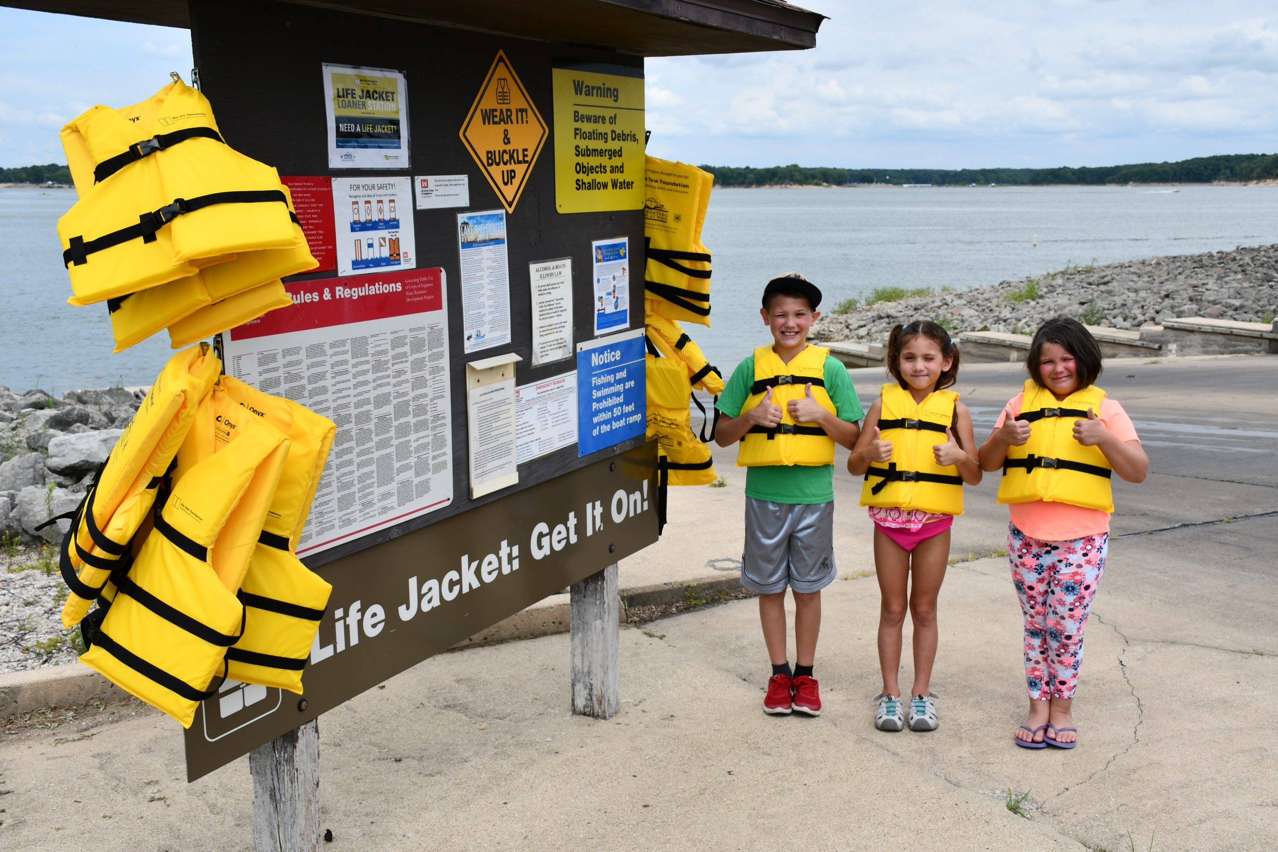 Lake Shelbyville to Launch Sea Tow Foundation Life Jacket Loaner Station