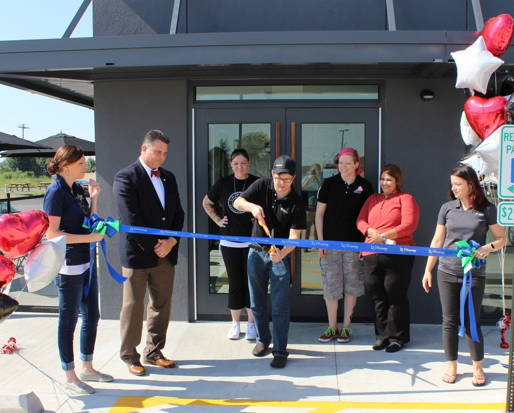 Chipotle Holds Grand Opening in Effingham