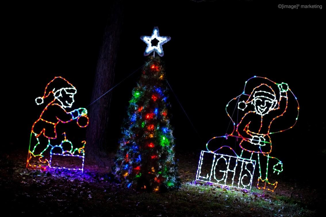***VIDEO*** Wonderland in Lights Brings Holiday Cheer in Effingham