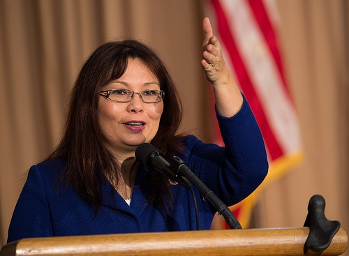 Duckworth Wants Seat Belts On All School Buses