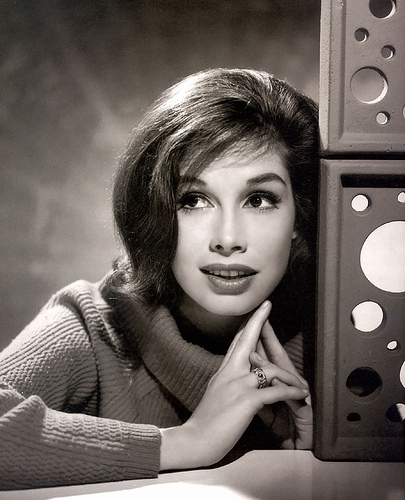 Mary Tyler Moore Passes Away at 80