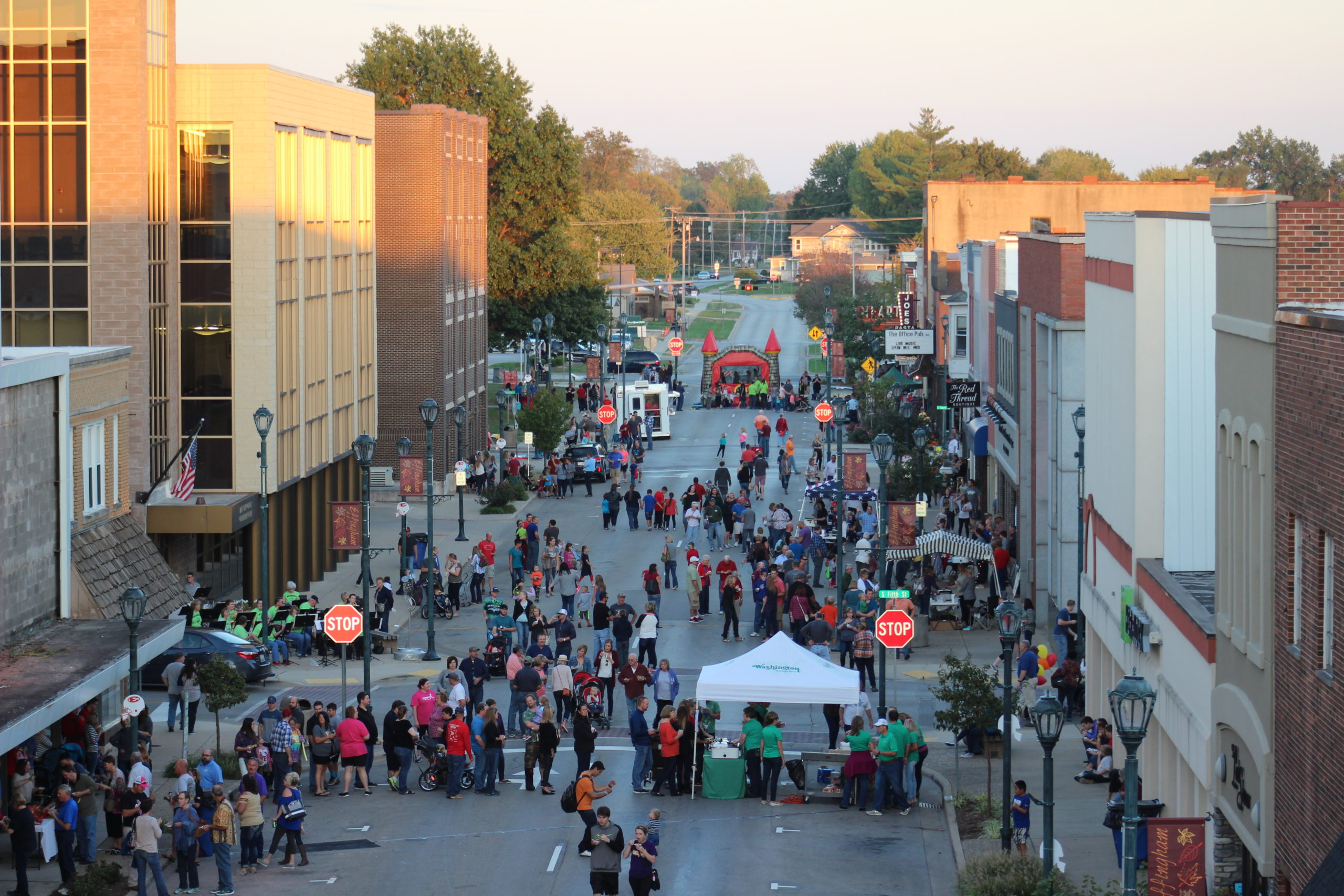 Locals Gather in Downtown Effingham for 2017 Chilifest (VIDEO)