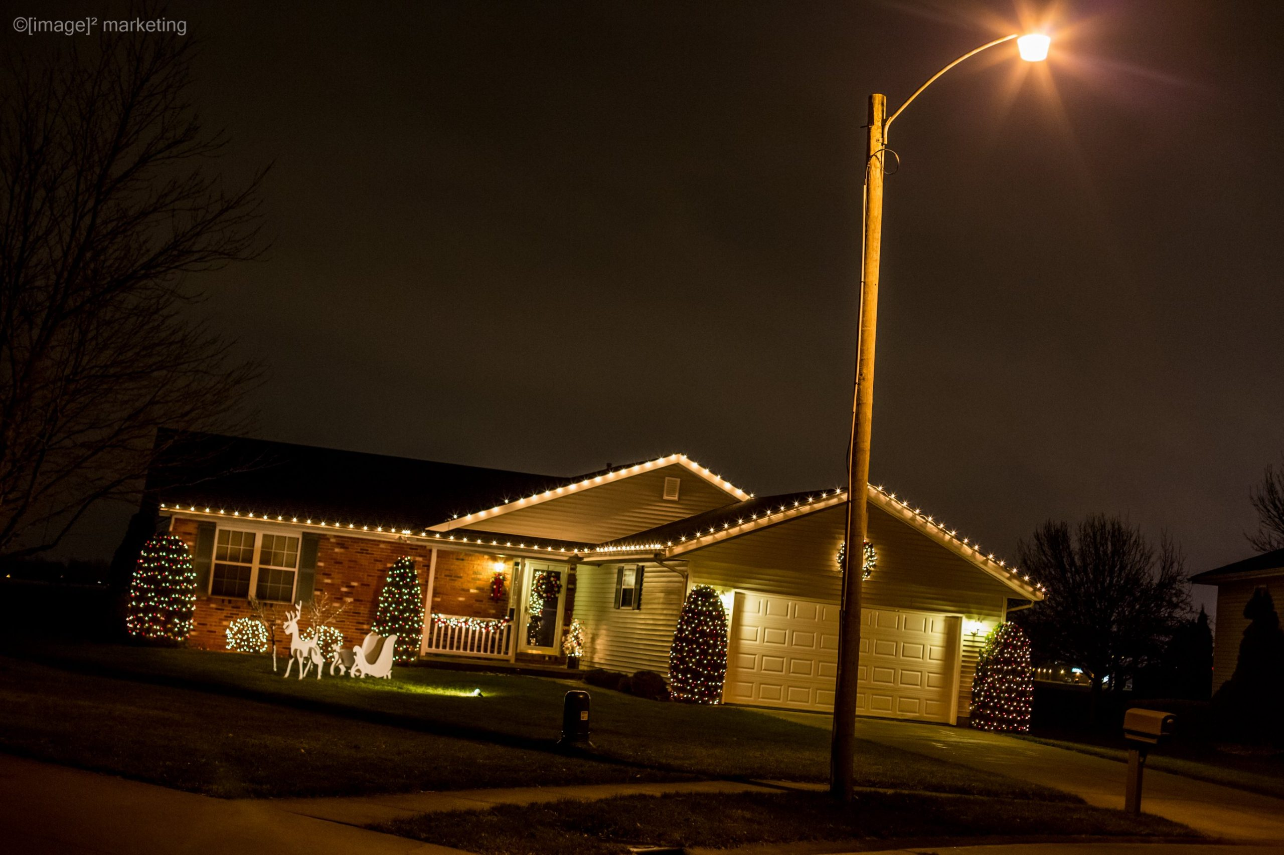 Holiday Lights and Festive Sights: Time to Vote!
