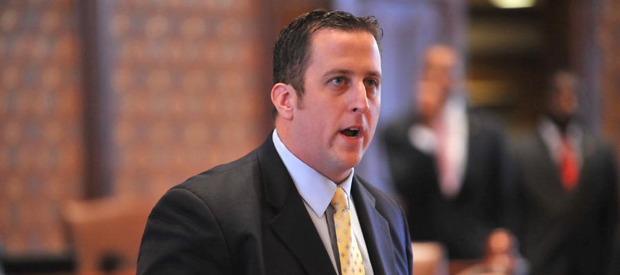 Democratic State Senator May Challenge Jesse White For Secretary Of State