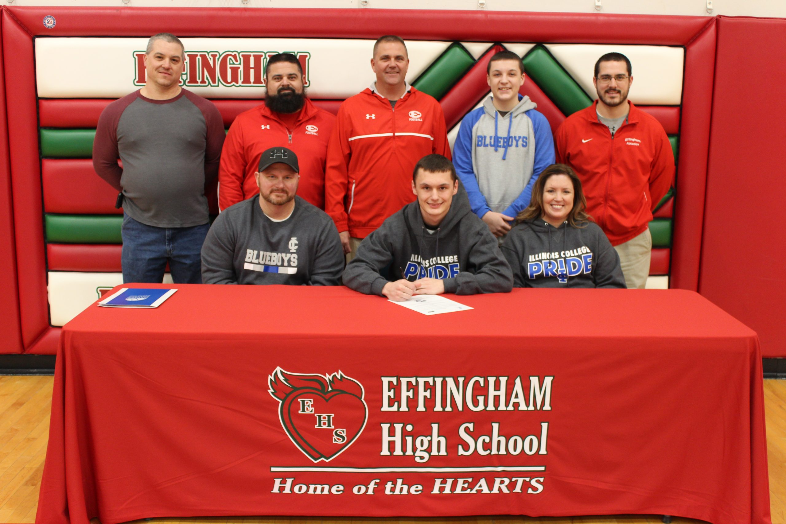 Effingham Football Player Signs With Illinois College