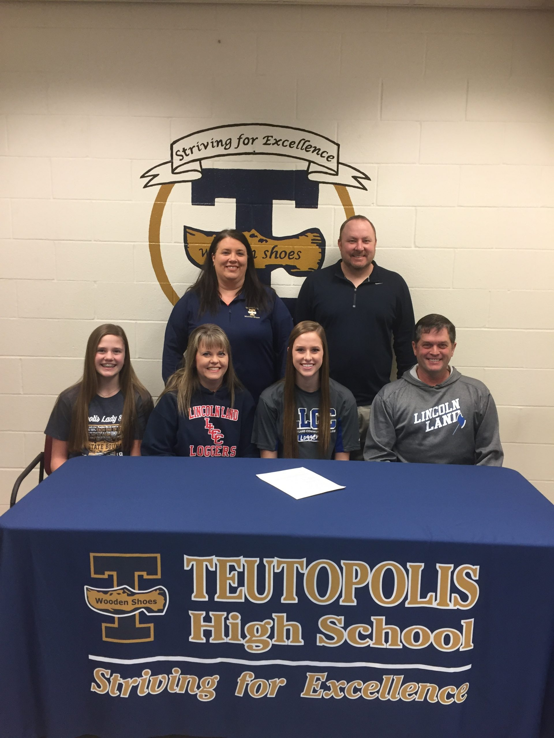 THS Student Signs With Lincoln Land Basketball