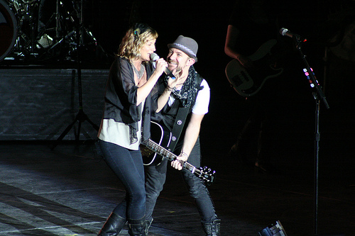 Sugarland and Taylor Swift Team Up in New Single