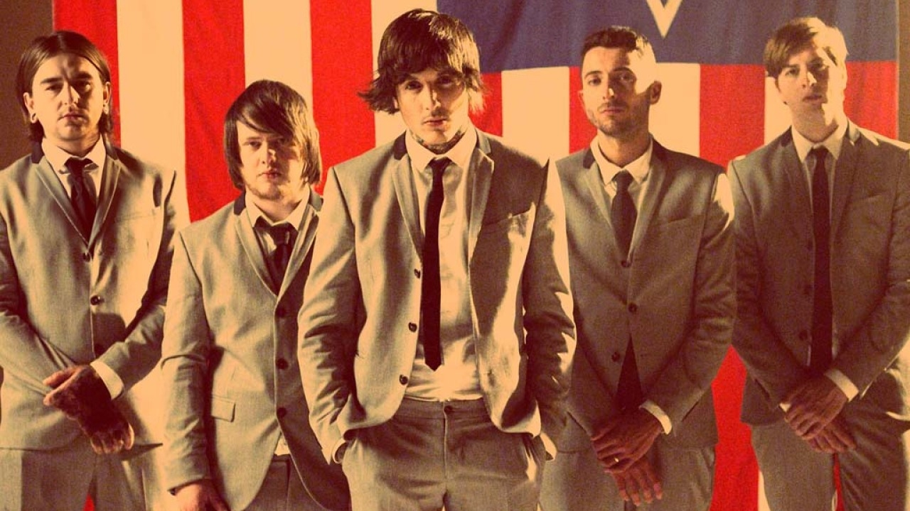 "Bring Me The Horizon Singer ""wanted to die"" After Hitting Rock Bottom!"