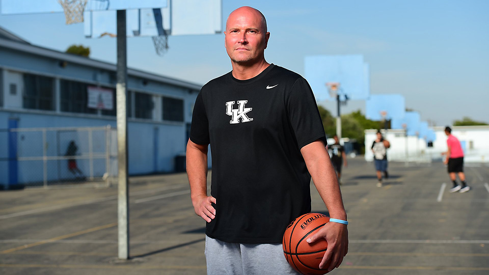 REX CHAPMAN TO HOST CHARITY BASKETBALL GAME